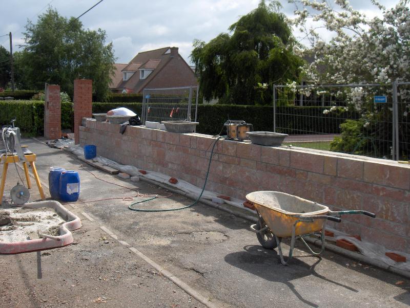 Mur de cloture ma onnerie travaux b timent brebieres for Mur de cloture en beton
